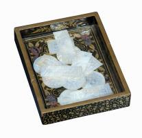 Caja de juegos chinos. Madera y laca. Siglo XIX
